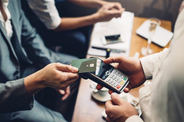 platební karta, platební terminál, bezdotykový, platba