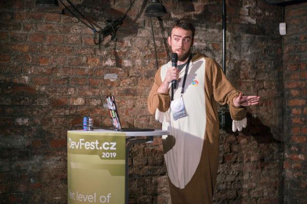 kolega Dominik Šimoník přednášel na DevFestu 2019