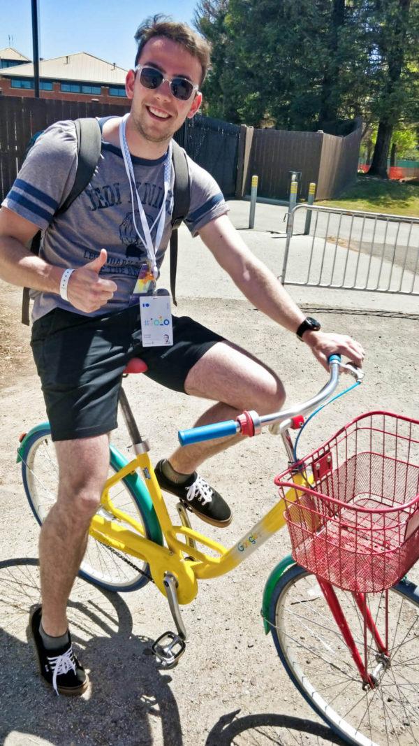 profiq kolega Dominik na kole v USA