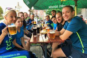 společná fotka profiq týmu na pivu