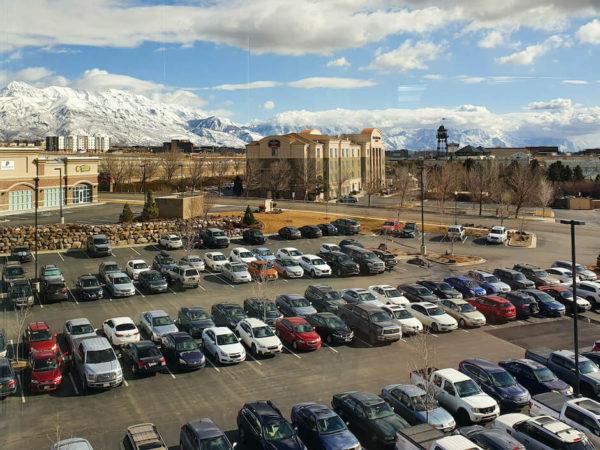 výhled z kanceláře společnosti Divvy na hory v Utahu